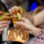 Россияне уверены, что частное потребление спиртного связано с большим количеством праздников