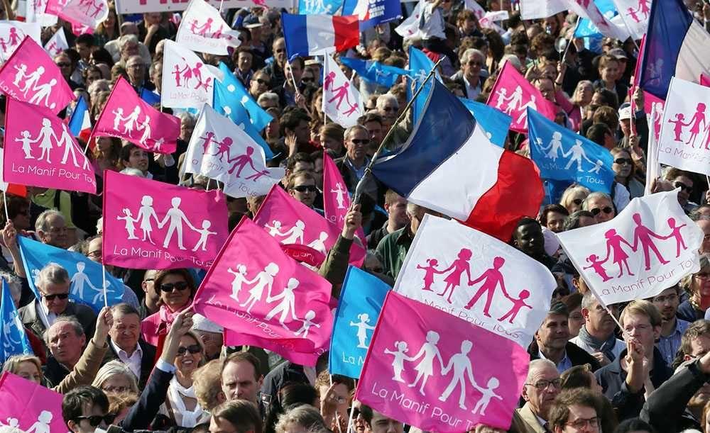 Французы протестуют против однополого ЭКО и донорства спермы