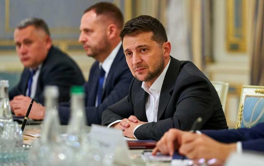 Президент Украины надеется в Париже договориться о прекращении огня в Донбассе