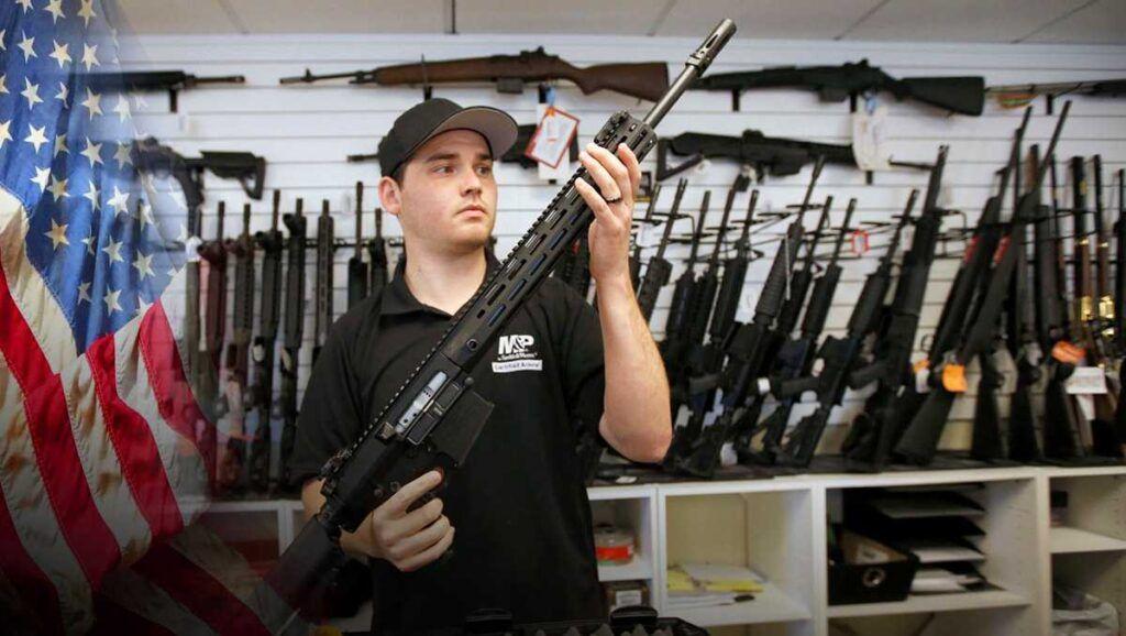 В США сильно выросли продажи огнестрельного оружия на фоне коронавируса