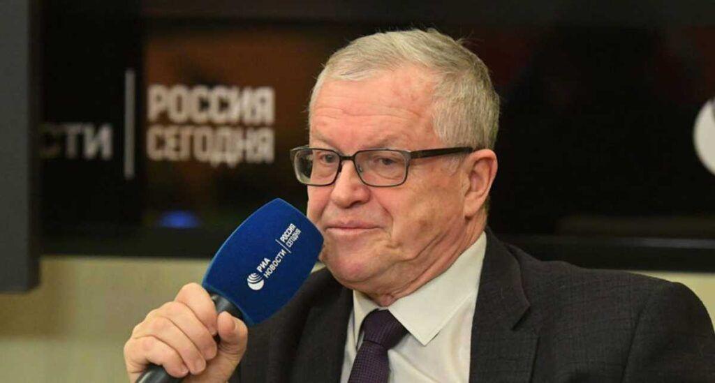 Врач Малышев рассказал, когда ожидать пика эпидемии коронавируса в России