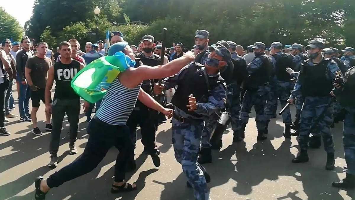 В Союзе десантников России пояснили массовую драку «голубых беретов» с сотрудниками Росгвардии