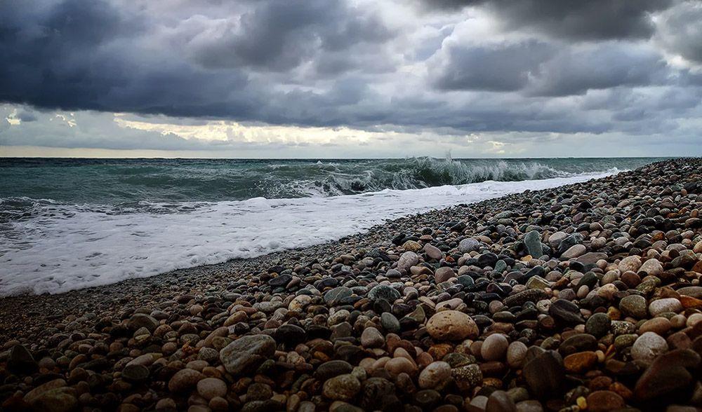 Что это за чудо Странное явление в Черном море вызвало споры в Инстаграм