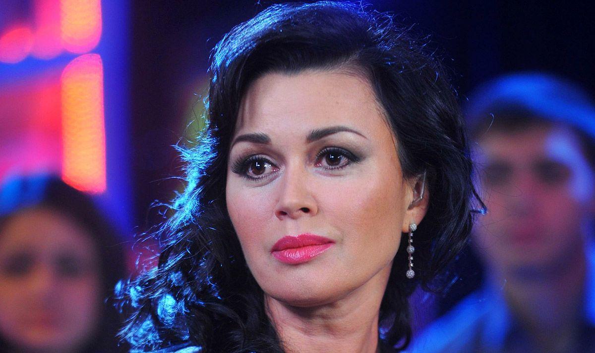 Анастасия Заворотнюк связалась с Малаховым на фоне тяжелой болезни