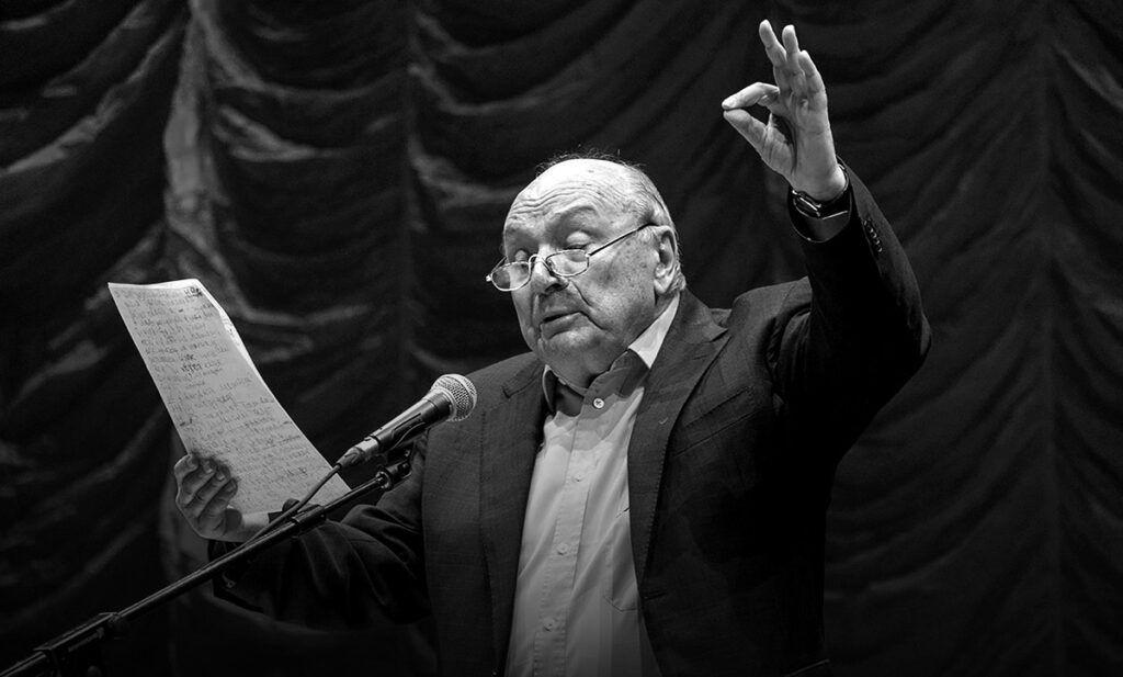 Умер Жванецкий. Алла Пугачева простилась с народным артистом