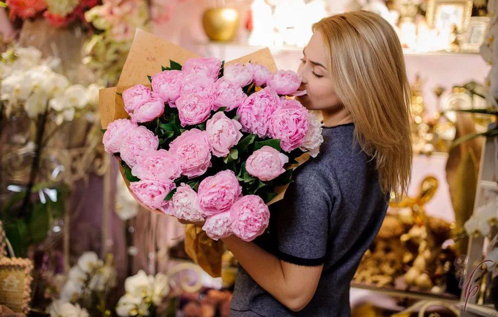 Быстрая доставка цветов в Москве