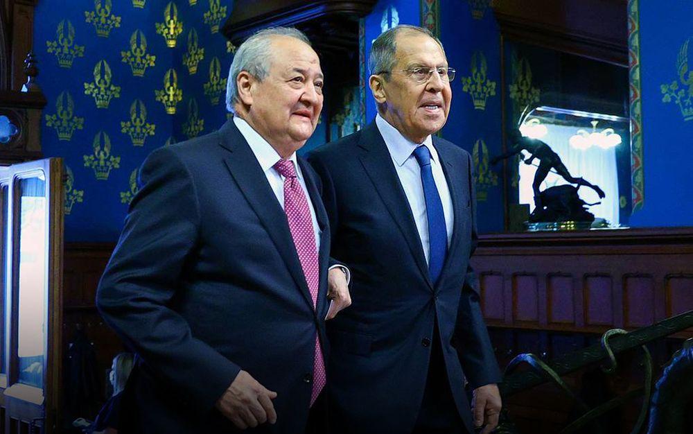 Резкое заявление Лаврова о прививочных паспортах вызвало желание у иностранцев переехать в РФ