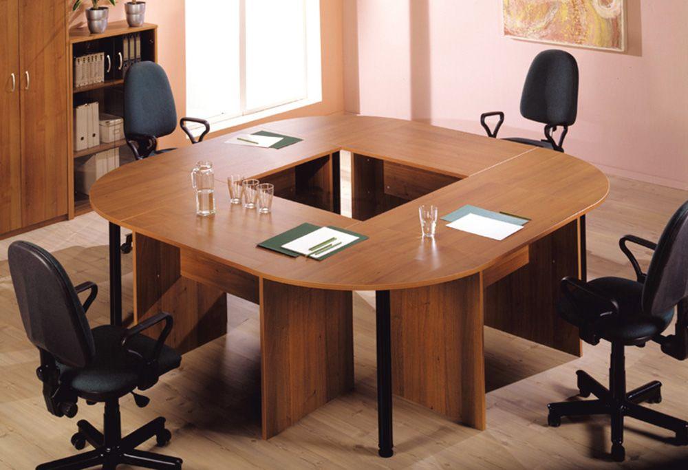 Офисная мебель: как обустроить комнату для переговоров