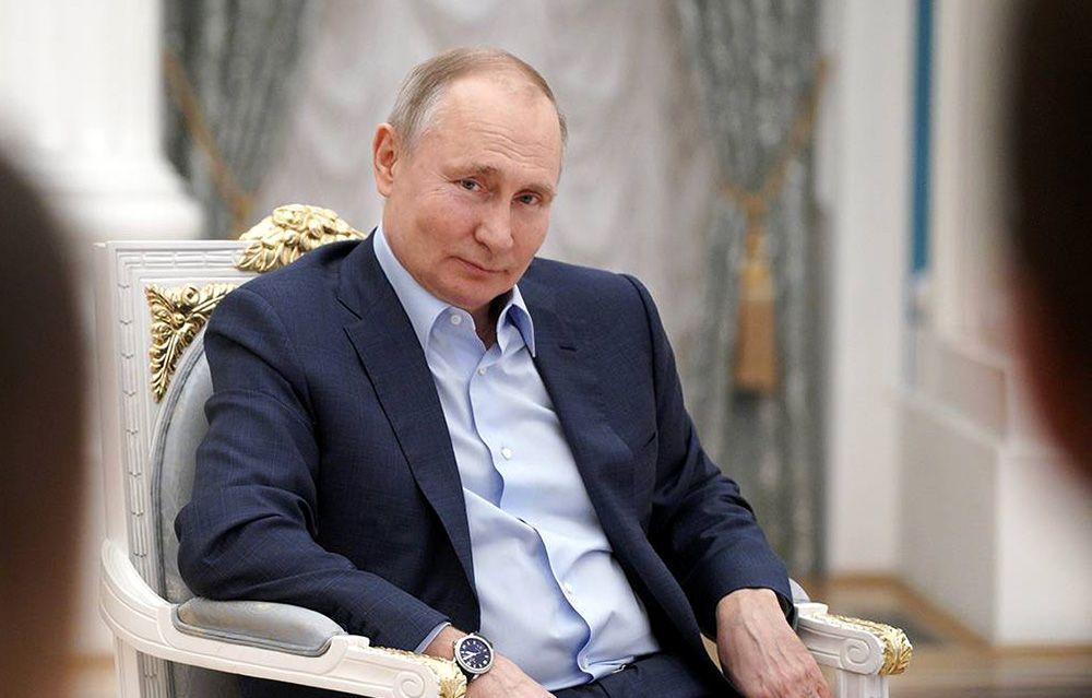 "Президент Россиипошутил про ""еще один дворец"". ВИДЕО"