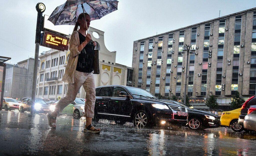 Жителей Москвы предупредили о непогоде в мае