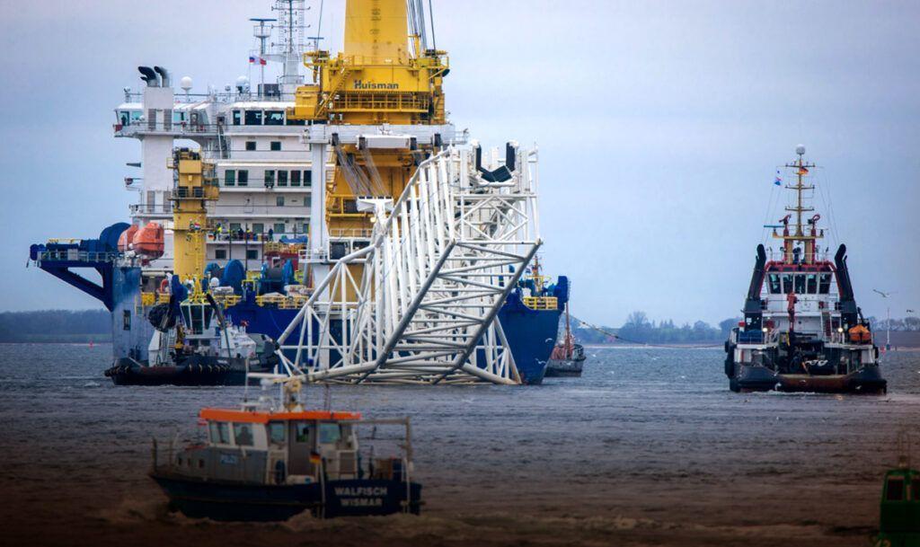 """Оператор """"СП - 2"""" заявил о спланированных провокациях военных кораблей"""