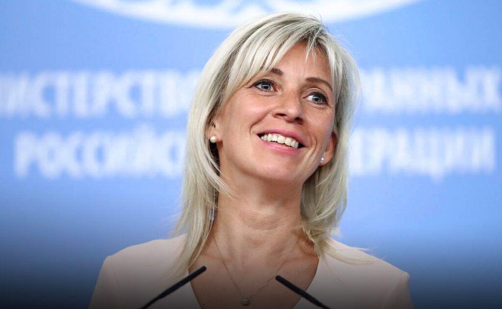 Колкий афоризм Захаровой в адрес чехов вызвал восторг у пользователей сети