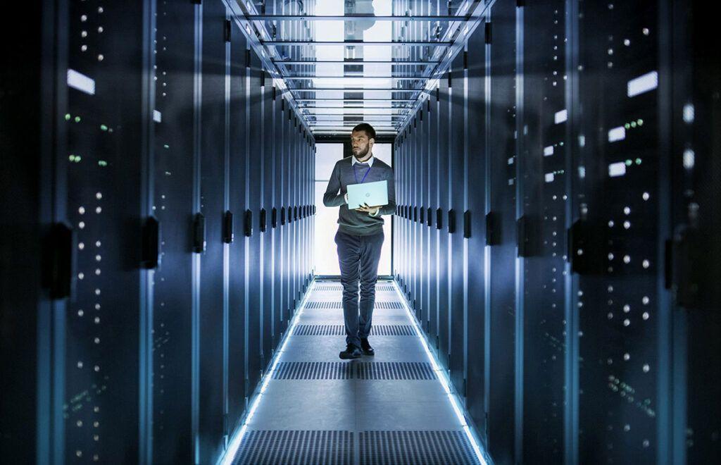 Чем отличается выделенный сервер от виртуального