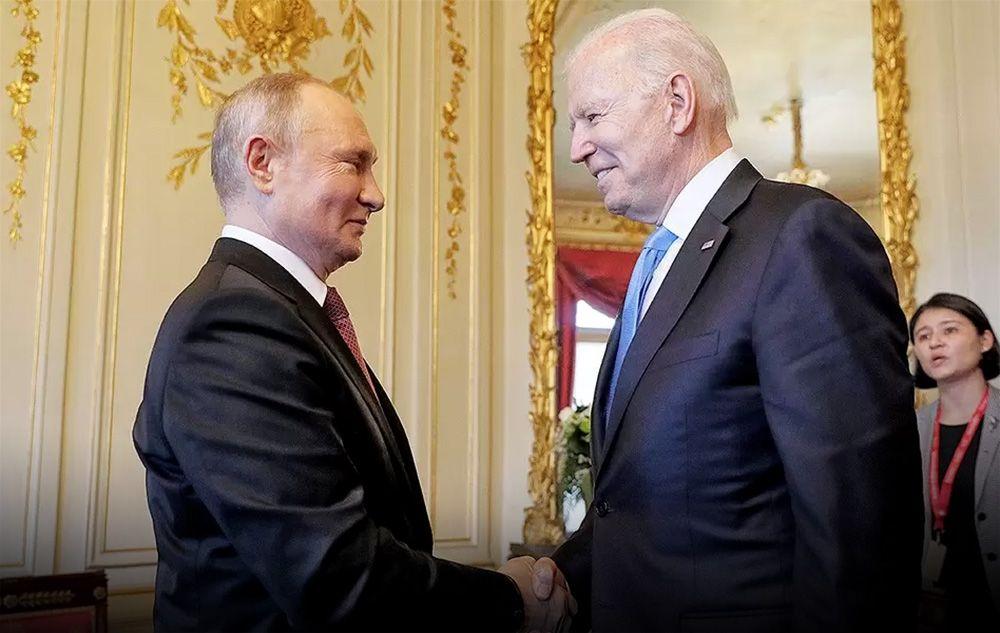 Путин обменялся с Байденом шуткой перед началом саммита. ВИДЕО