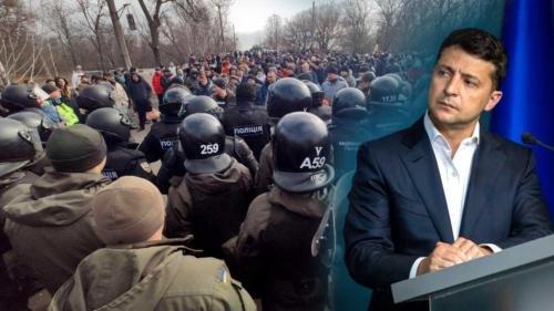 Зеленский заявил, что панику в Новых Санжарах при размещении эвакуированных из КНР сеяли сознательно